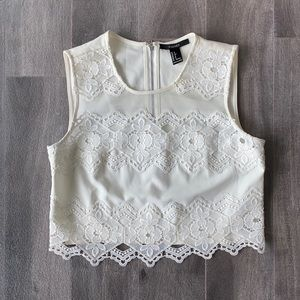Women's Forever21 lace crop top